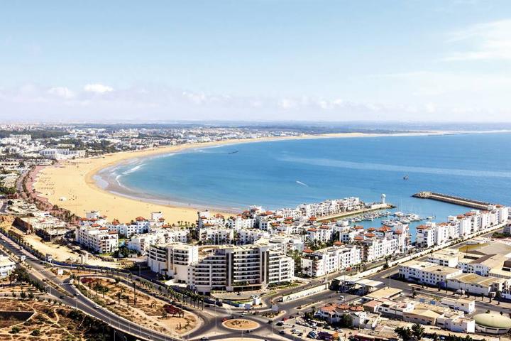 Cauta? i fata in Agadir